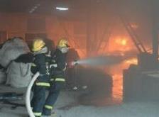 黄石一厂房淬火油池起火 幸未造成人员伤亡