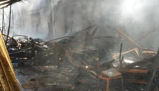 武汉一仓库发生火灾 数千万元调料被烧光