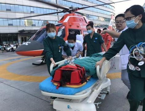 十堰空中120急救神农架病人 不到2小时送达医院